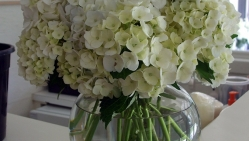 The Perfect Reception Floral Arrangement with Hydrangea